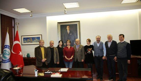 Dostluk Konseri sanatçılarından Büyükerşen'e ziyaret