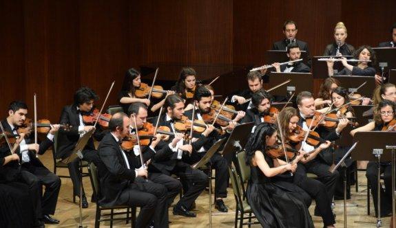 Anadolu Üniversitesi Senfoni Orkestrası büyüledi
