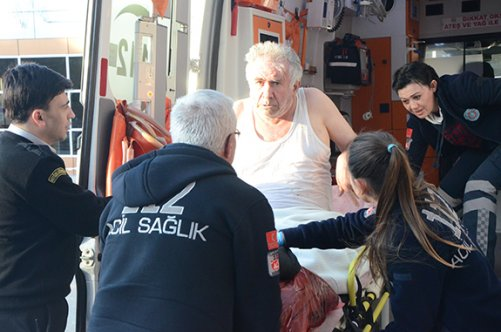 Porsuk Çayı'na düşen yaşlı adam kurtarıldı