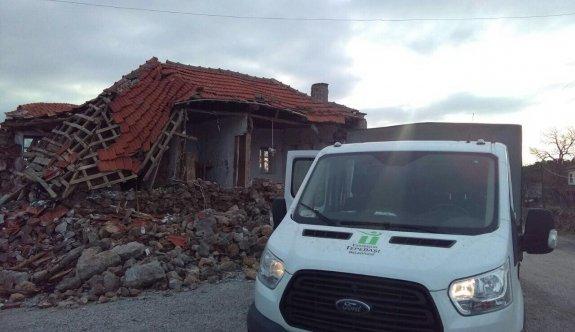 Tepebaşı'ndan  deprem bölgesine yardım