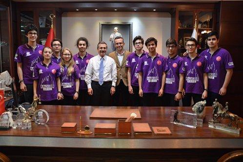 Genç mucitlerden Ataç'a ziyaret