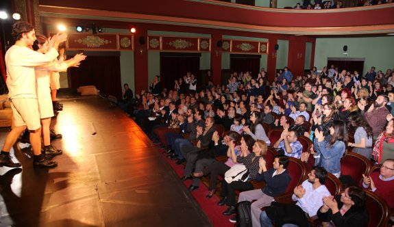 Şehir tiyatrolarına Ankara'dan   tam not