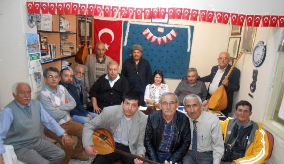Eskişehirli şair ve ozanlar 23 Nisan'ı şiir ve türkülerle kutladı
