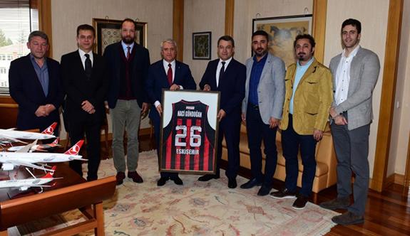 Nesine.Com Eskişehir Basket'ten Rektör Gündoğan'a nezaket ziyareti