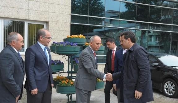 Vali Çelik, İller Bankası Bölge Müdürlüğü'nü ziyaret etti