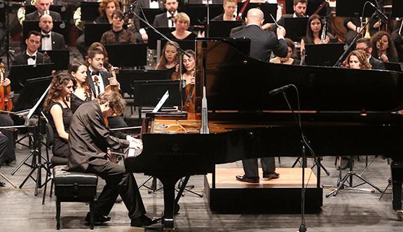 Yuriy Sayutkin, Eskişehir'de konser verdi