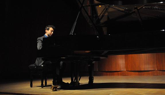 Emre Yavuz'un piyano resitali müzikseverleri büyüledi