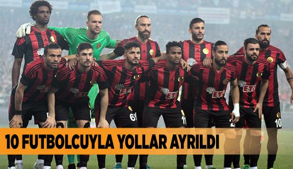 10 OYUNCUYLA YOLLAR AYRILDI