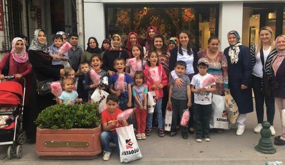 AK Partili kadınlar ihtiyaç sahibi aileleri unutmadı