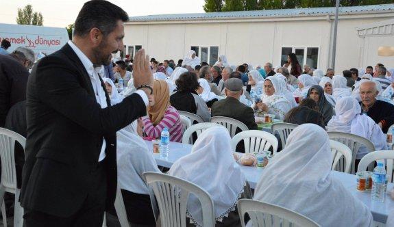 Başkan Yüzügüllü orucunu Kaymaz Mahallesi'nde vatandaşlarla açtı