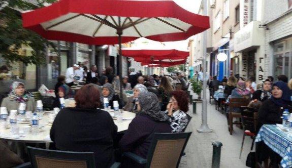 Güçlü Kadın Eli Derneğinden şehit aileleri ve gazilere iftar yemeği