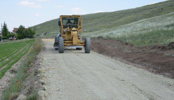 Yol bakım ve onarım çalışmaları sürüyor