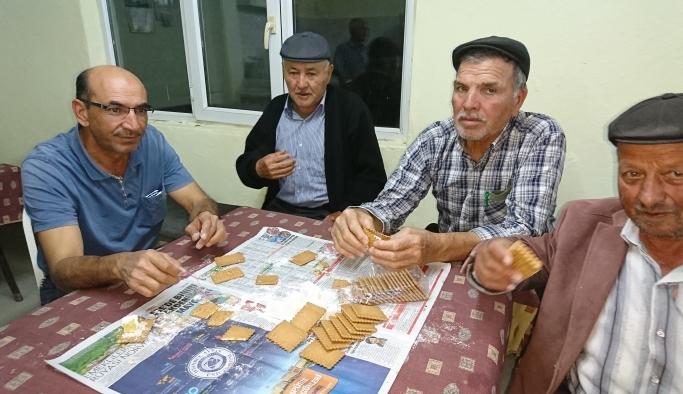 Köy konaklarının vazgeçilmez tadı 'kıstırma' keyfi