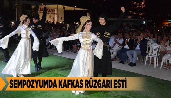 SEMPOZYUMDA KAFKAS RÜZGARI ESTİ