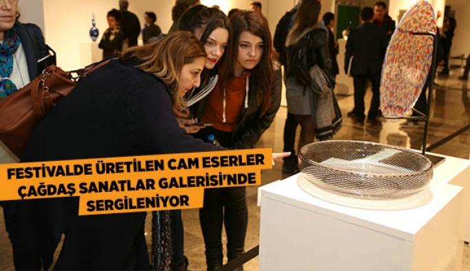 FESTİVALDE ÜRETİLEN CAM ESERLER ÇAĞDAŞ SANATLAR GALERİSİ'NDE SERGİLENİYOR