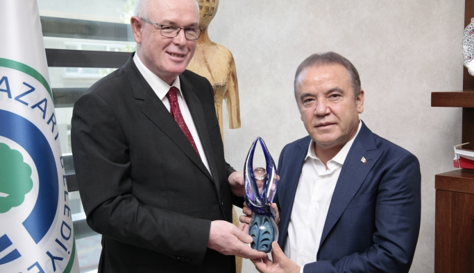 Muhuttin Böcek, Başkan Kurt'u ziyaret etti