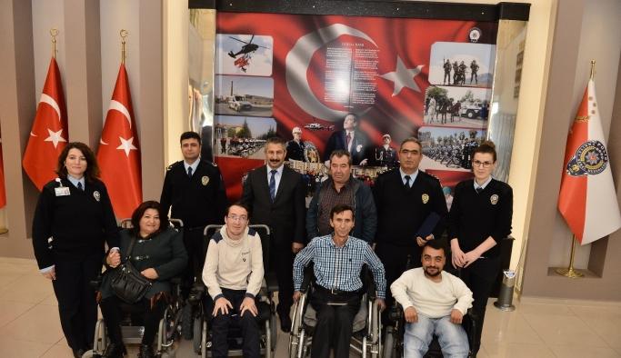 Engelli vatandaşlardan emniyete ziyaret