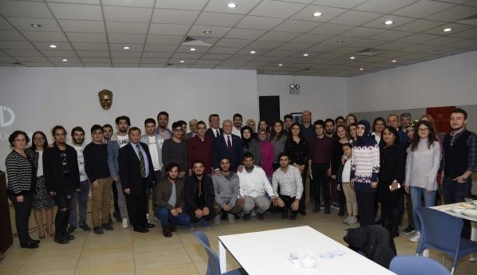 Rektör Gündoğan engelli öğrencilerle buluştu