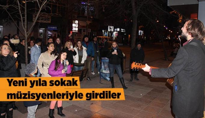 Eskişehir'de 2018 coşkuyla karşılandı