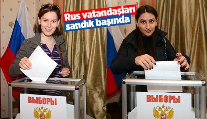 Rus vatandaşları sandık başında