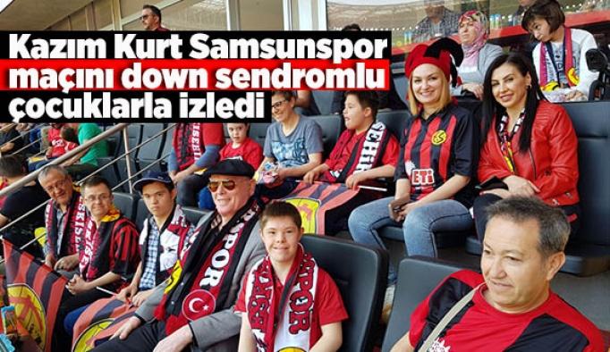 Kazım Kurt Samsunspor maçını down sendromlu çocuklarla izledi