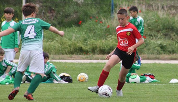 Eskişehir U-11 ligi tüm hızıyla devam ediyor