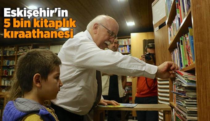 Eskişehir'in 5 bin kitaplık kıraathanesi