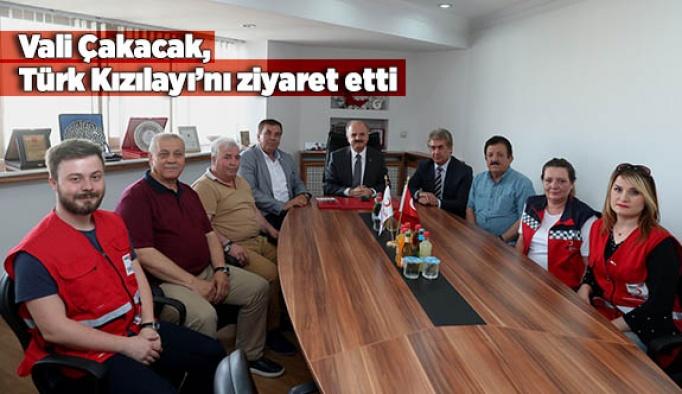 Vali Çakacak, Türk Kızılayı Eskişehir Şubesi'ni ziyaret etti
