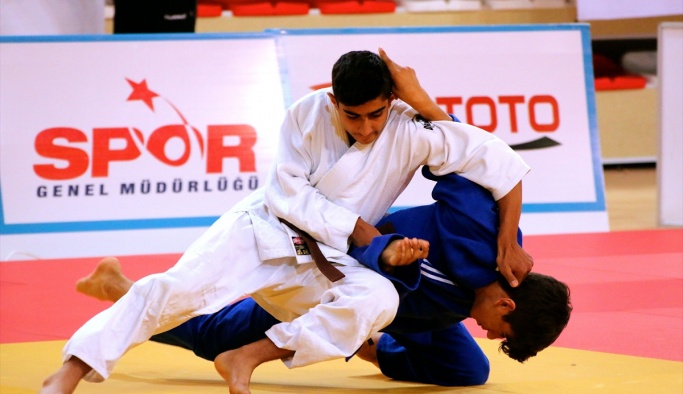 Yıldızlar Judo turnuvası başladı