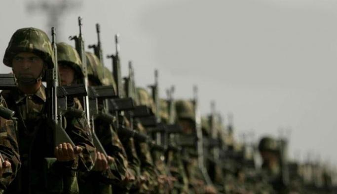 Bedelli askerlikte yaş ve ücret belli oldu: 'Yaş 25, ücret 15 bin TL olacak'
