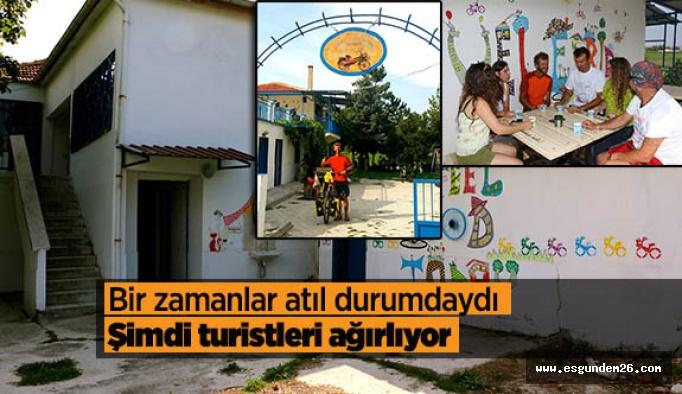 İmeceyle yaptıkları evde bisikletli konuklarını ücretsiz ağırlıyorlar