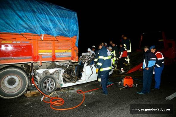 Eskişehir'de korkunç kaza: 3 kişi hayatını kaybetti