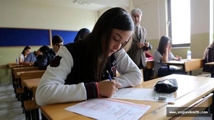 Lise'ye geçiş sistemi 'YİNE' değişecek