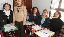 Gönüllü kadınlara yönelik İngilizce kursu