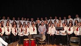 Türk Halk Müziği Korosu müzikseverlerle buluştu