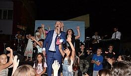 Halk konseri bu kez Kumlubel mahallesinde gerçekleşti