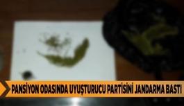 PANSİYON ODASINDA UYUŞTURUCU PARTİSİNİ JANDARMA BASTI