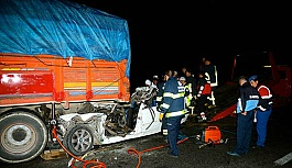 Eskişehir'de korkunç kaza: 3 kişi...