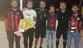 Eskişehirspor'u Zelzele Taraftar Grubu çiçeklerle karşıladı