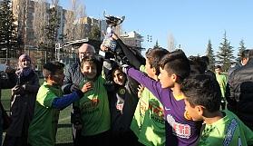 Şampiyon Melahat Ünügür Ortaokulu