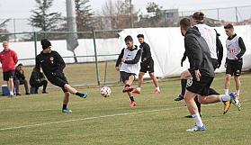 Eskişehirspor, Gazişehir maçına kilitlendi