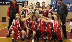 Büyükşehir'in perileri namağlup şampiyon