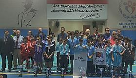 Masa tenisinde şampiyonlar belirlendi