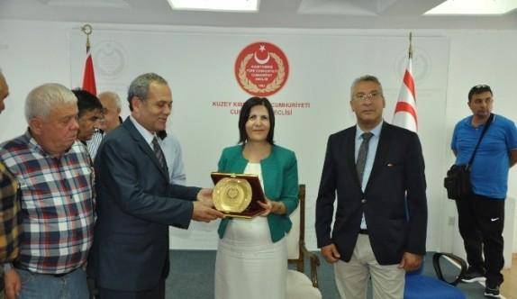 Gazeteciler Kıbrıs'ı gezdi
