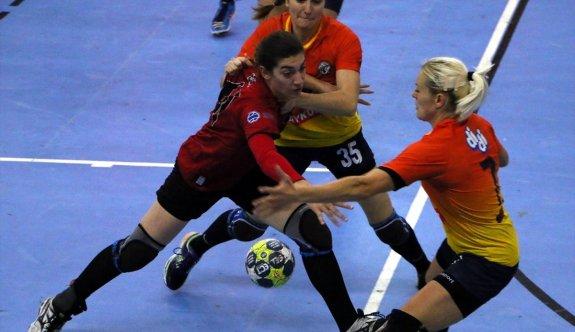 Şimşek Kızlar Aksaray'ı ağırlıyor