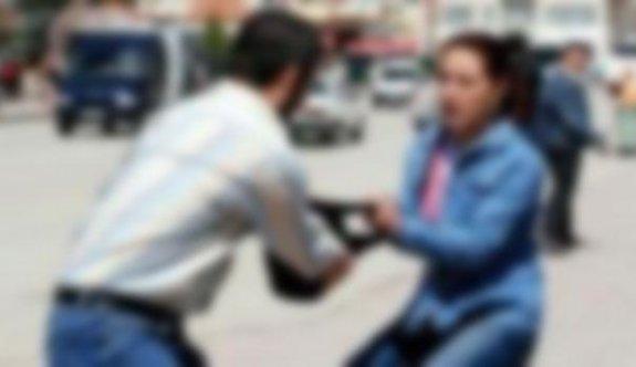 Kapkaç şüphelisini vatandaşlar yakaladı