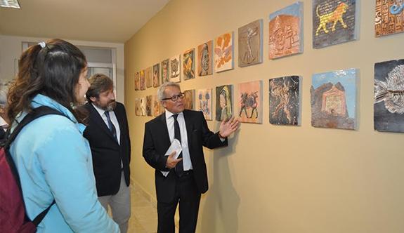 Seramik Panolar Edebiyat Fakültesi'nde yerini aldı