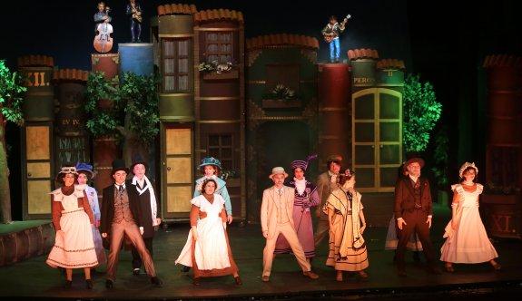 Uluslararası Çocuk ve Gençlik Tiyatroları Festivali şehre renk kattı
