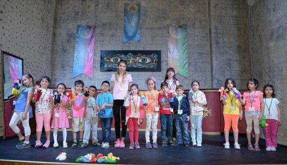 Çocuklar Masal Şatosu Çocuk Akademisi'nde eğlenerek öğrenecekler