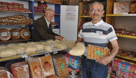 Glikoz endişesi yüzünden birçok vatandaş kuru tatlıları tercih ediyor